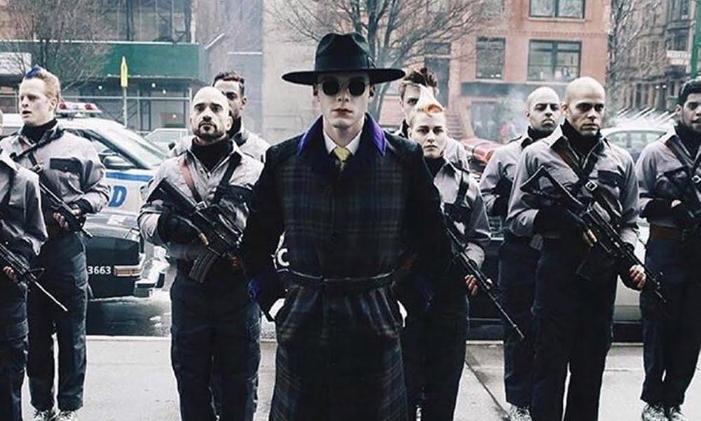 Gotham | Jerome aparece vestido como Coringa em vindouro episódio da série. Confira!