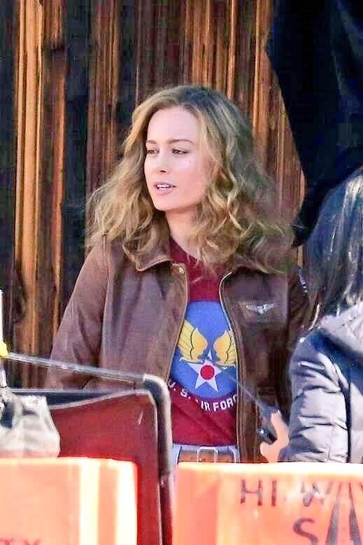 Capitã Marvel | Novo visual de Carol Danvers surge em fotos do set