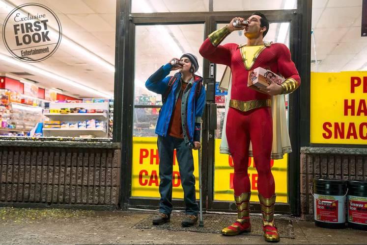 Shazam!   David Sandberg explica o traje do herói em nova imagem divulgada
