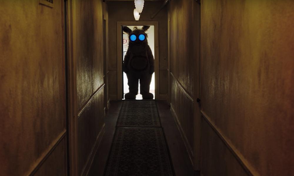 Into the Dark   Série da Hulu reimaginará datas comemorativas em contos macabros. Confira o trailer!