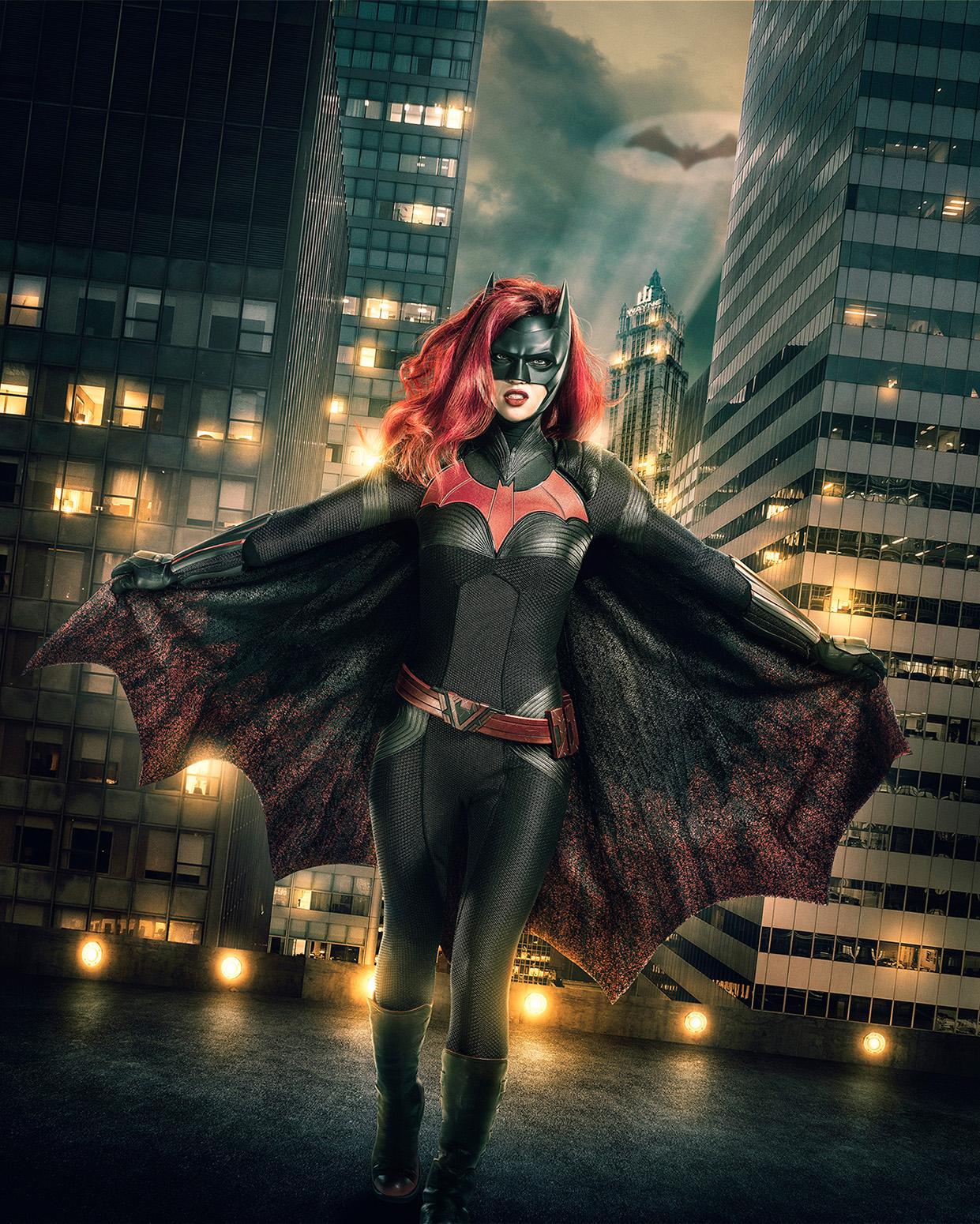 Batwoman | The CW revela visual de Ruby Rose como a heroína