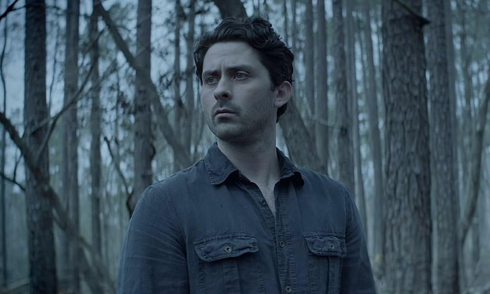 Monstro do Pântano   Novo trailer mostra Alec antes da transformação