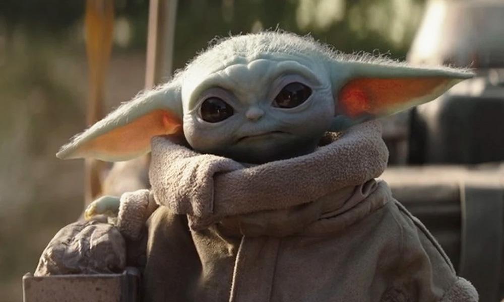 Baby Yoda tomando sopa vira o novo meme da internet